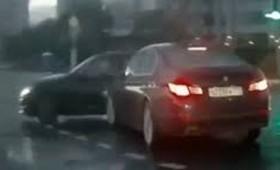 Αυτοκίνητο φάντασμα εμφανίζεται από το πουθενά (βίντεο)