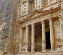 Ένα μυστηριώδες μνημείο στην Πέτρα της Ιορδανίας