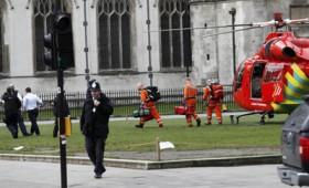 Διπλό χτύπημα έξω από το Βρετανικό Κοινοβούλιο (vid)