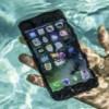 Πέθανε φορτίζοντας το iPhone μέσα στο μπάνιο