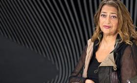 Ζάχα Χαντίντ: H πρωτοπόρος Αγγλο-ιρακινή αρχιτέκτων