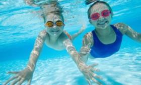 Βουτιές στη θάλασσα: οι κίνδυνοι για τα παιδιά