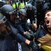 Τραυματισμένη βγαίνει η Ισπανία από το δημοψήφισμα
