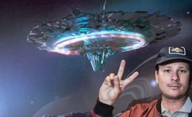 """Ο Τομ Ντελόνγκ των """"Blink 182"""" και οι εξωγήινοι (vid)"""