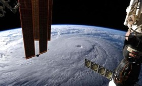 Τυφώνας Λέιν: Το τέρας που απειλεί την Χαβάη (vid)
