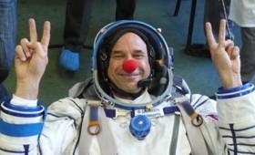 Αστροναύτες κλόουν στα διαστημικά ταξίδια (vid)