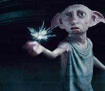 Ένα ξωτικό από τις ταινίες του Χάρι Πότερ εμφανίζεται σε αυλή σπιτιού (vid)
