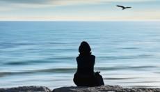 Ένας στους δέκα Έλληνες νιώθει μεγάλη μοναξιά (vid)