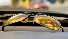 Δεν βοηθούν στη νυχτερινή οδήγηση τα κίτρινα γυαλιά
