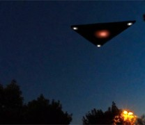 Μεγάλο τριγωνικό UFO πάνω από το Τέξας (vid)