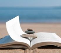 Summer reading: 8 δροσερά βιβλία για το καλοκαίρι
