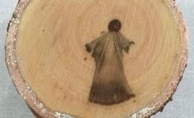 Εικόνα του Ιησού βρέθηκε στο εσωτερικό κομμένου κορμού δέντρου (vid)