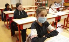 Τρικυμία εν θρανίω: Ναι και όχι στο άνοιγμα των σχολείων το Σεπτέμβριο (vid)