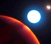 Ένας παράξενος κόσμος με τρεις ήλιους (βίντεο)