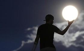Οι καλύτερες φωτογραφίες της Πανσελήνου