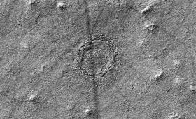 Το παράξενο ερπετοειδές μάτι στην επιφάνεια του Άρη