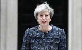 Μέι προς ΕΕ: «Μείνετε μακριά από τις εκλογές μας»