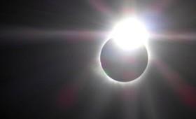 21 Αυγούστου: Η ηλιακή έκλειψη του αιώνα (vid)