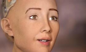 Ο πρώτος πολίτης ρομπότ της Σαουδικής Αραβίας (vid)
