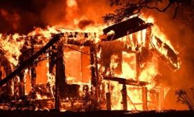 Πύρινη κόλαση στην Καλιφόρνια με δεκάδες νεκρούς (vid)