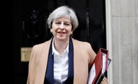 Οι Βρετανοί θέλουν τη Μέι μέχρι την ολοκλήρωση του Brexit