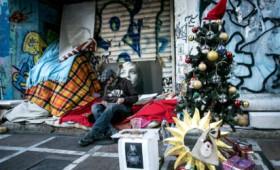 Αθήνα: Πώς κάνουν Χριστούγεννα οι άστεγοι της πόλης