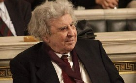 Ο Μίκης Θεοδωράκης για το Σκοπιανό: «Καμία υποχώρηση»
