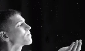 """Θοδωρής Νικολάου – """"Ομπρέλα"""" (Video Clip)"""