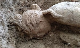 Άγαλμα της Αφροδίτης σε ρωμαϊκή βίλλα στη Γρανάδα (vid)