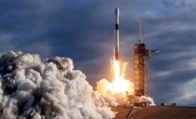 Ξεκίνησε η πρώτη ιδιωτική διαστημική αποστολή για το φεγγάρι (vid)