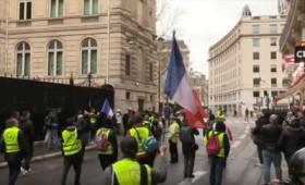 Τα Κίτρινα Γιλέκα καλούν το λαό σε εξέγερση (Live)