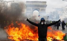 Συγκρούσεις των Κίτρινων Γιλέκων με την αστυνομία