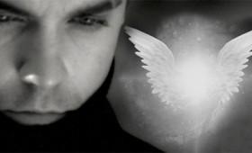 """Angels"": Οι παραφυσικές εμπειρίες του Ρόμπι Ουίλιαμς"