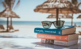 Δέκα νέα βιβλία για τις καλοκαιρινές σας αποδράσεις