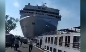 Τρελό κρουαζιερόπλοιο εναντίον αποβάθρας στη Βενετία (vid)