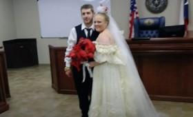 Νεόνυμφοι σκοτώθηκαν σε τροχαίο λίγα μόλις λεπτά μετά το γάμο τους