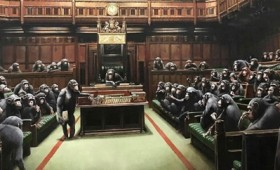 Στο σφυρί το βρετανικό κοινοβούλιο με τους χιμπατζήδες του Μπάνκσι