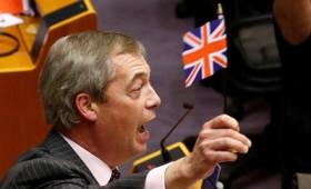 """Ο Φάρατζ """"τρολάρει"""" το Ευρωπαϊκό Κοινοβούλιο (vid)"""