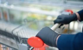 Τα γάντια διευκολύνουν την διασπορά του κορονοϊού