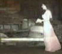 Μια «φασματική νύφη» πιάστηκε σε κάμερα ασφαλείας