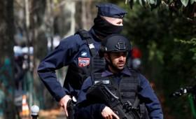 Επίθεση με μαχαίρι κοντά στα πρώην γραφεία του περιοδικού Charlie Hebdo