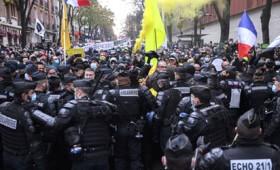 LIVE: Διαδήλωση κατά του παγκόσμιου νομοσχεδίου ασφάλειας στο Παρίσι (vid)
