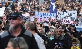 Μαχητικές διαδηλώσεις κατά του lockdown στο Σίδνεϊ και τη Μελβούρνη (vid)