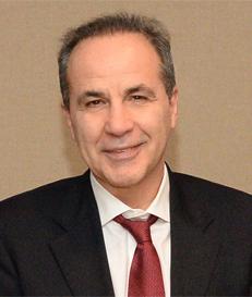 Ο καθηγητής Οφθαλμολογίας Βασίλης Κοζομπόλης.