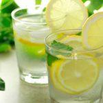 Ξεκινήστε τη μέρα σας με νερό και λεμόνι