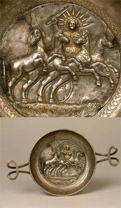 Ασημένια κύλικα με παράσταση του Ήλιου (3ος αι. π.Χ.). Από το Παντικάπαιο της Ταυρίδας (σημ. Κριμαία).