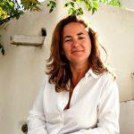 Η Λώρη Κέζα γράφει για την Ελλάδα και τον Καναδά