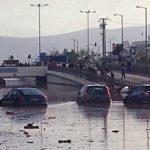 19 νεκροί από την κακοκαιρία στη Μάνδρα Αττικής (vid)
