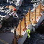 Κατάρρευση γέφυρας με τουλάχιστον έξι νεκρούς (vid)
