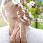 Σταματήστε τα ανοιξιάτικα κρυολογήματα με βιταμίνες